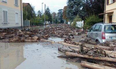 Alluvione del 2015, un abitante di Roncaglia: «Muri ancora scrostati e fango nel sottoscala dopo tre anni»