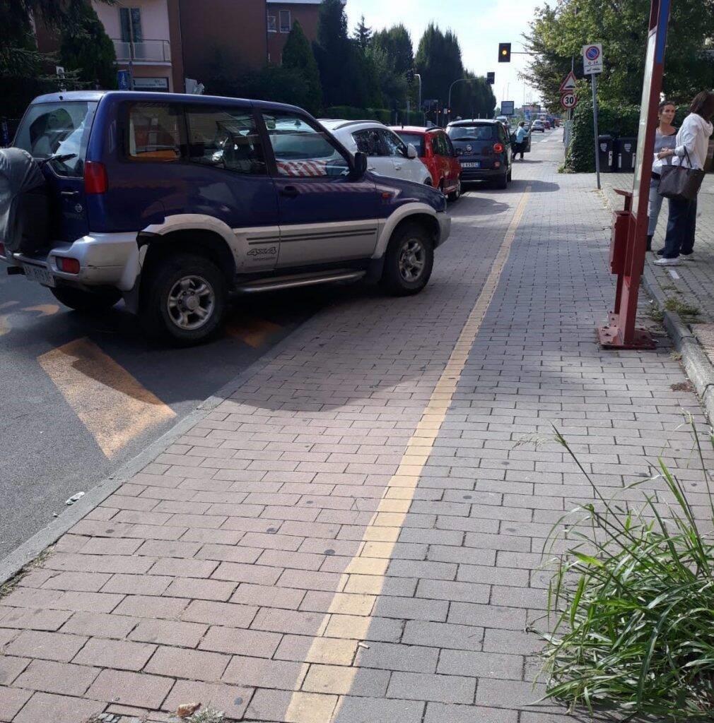 La situazione della pista ciclabile in via Veneto